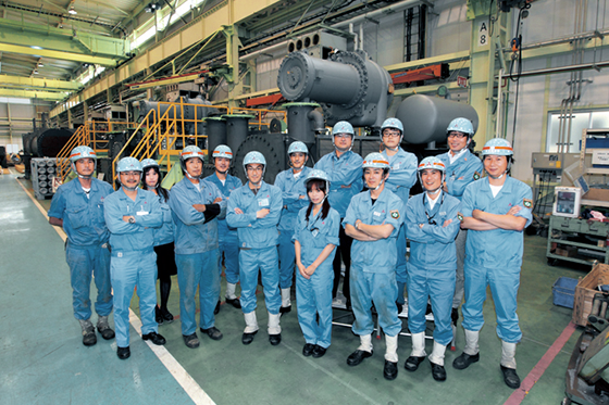 Photo:Members of the Centrifugal & Absorption Chiller Department who build chillers boasting world-class cooling efficiency